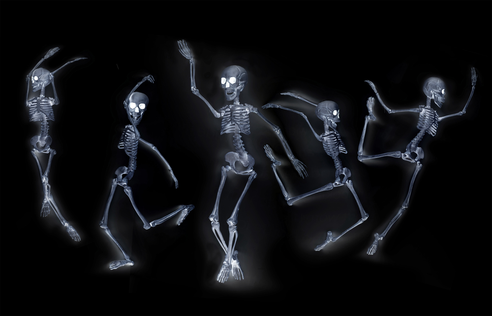 halloween-dancing-skeletons